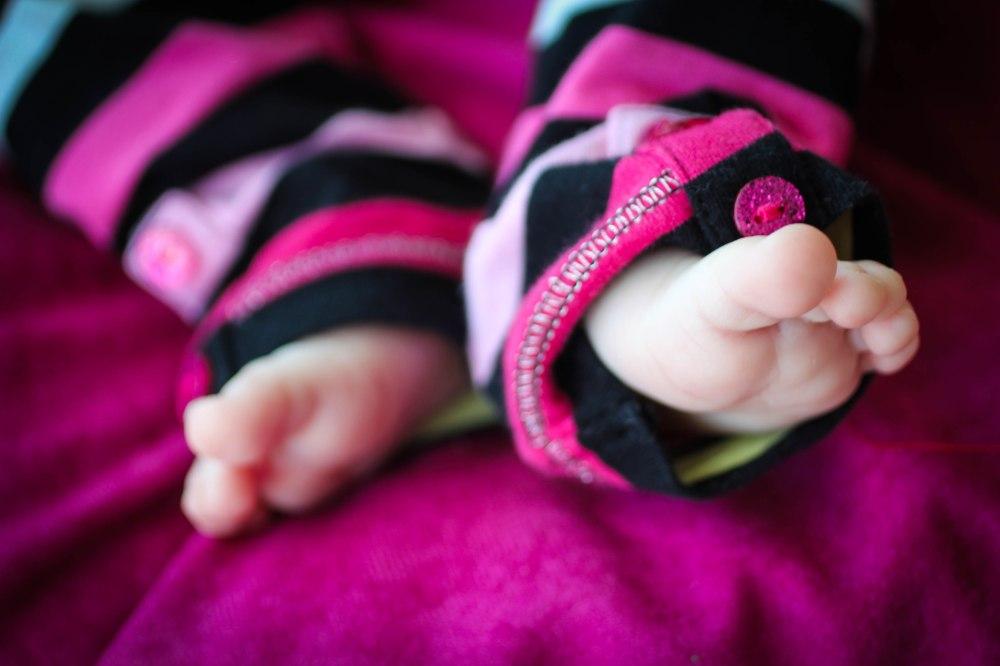 amaya striped feet-1