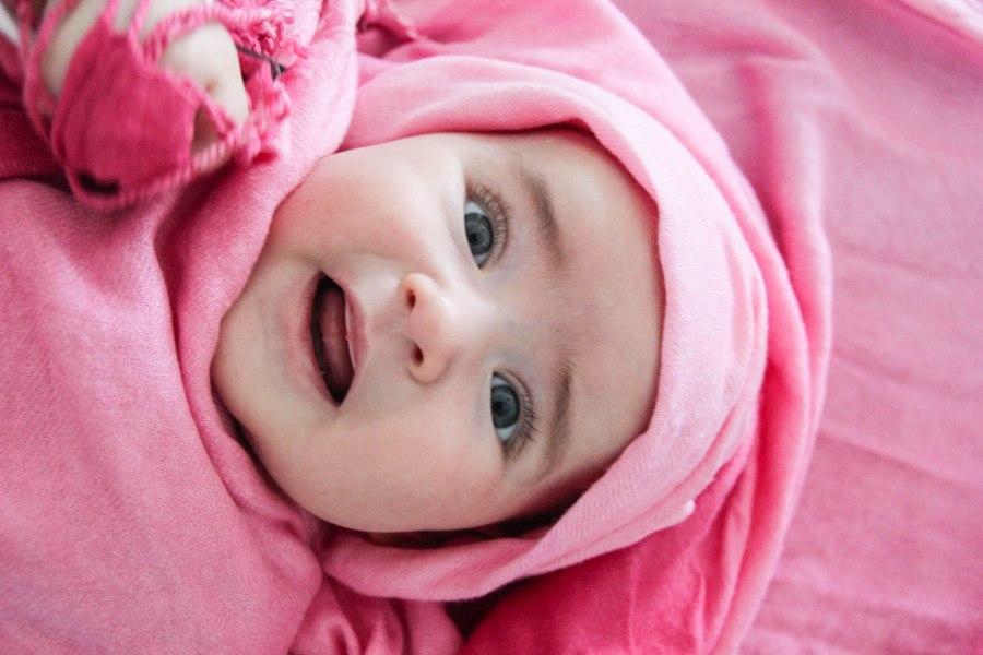 amaya in pink scarf-1