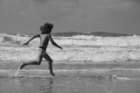 crashing waves and run (1 of 1)