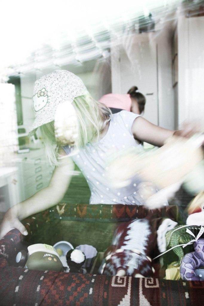 window shots of kids playing (8 of 1)